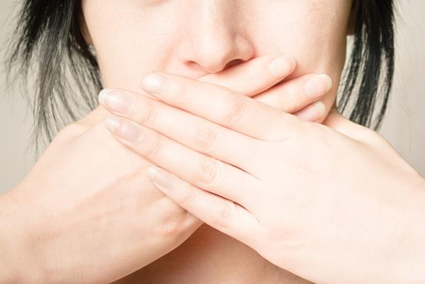Mundgeruch – Ursachen und Abhilfe